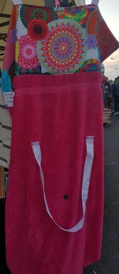 matelas de plage serviette transformable en sac chas. Black Bedroom Furniture Sets. Home Design Ideas